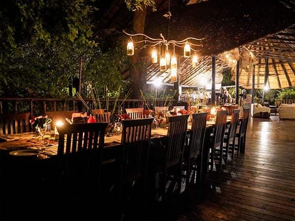 Dinner Time Bushlife Safaris